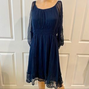 TRAFFIC NWT SZ S NAVY LINED DRESS W LACE SLEEVES